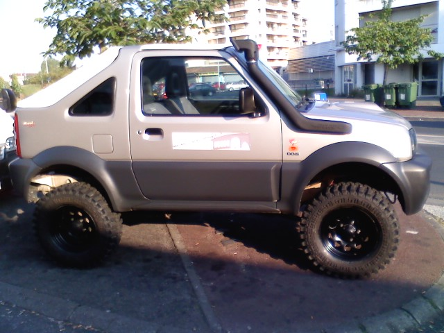 vend fastback blanc suzuki jimny cabriolet super jimny. Black Bedroom Furniture Sets. Home Design Ideas