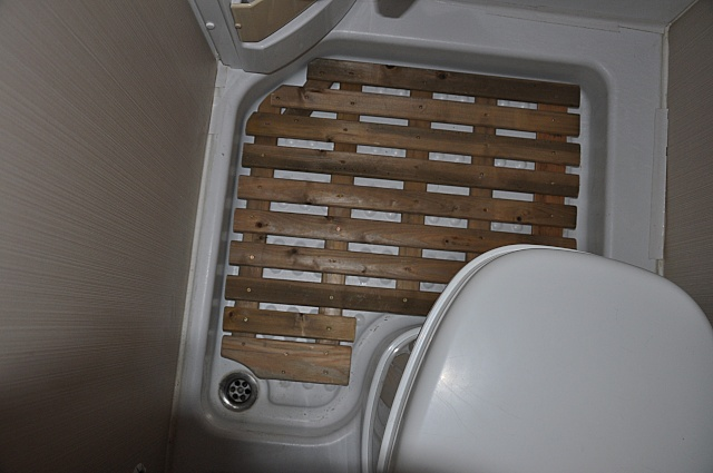 caillebotis salle d 39 eau sur amortisseurs accjv. Black Bedroom Furniture Sets. Home Design Ideas