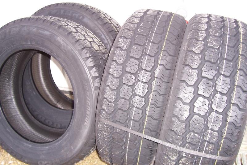 vente 4 pneus toutes saisons utilitaire goodyear 225 60 16. Black Bedroom Furniture Sets. Home Design Ideas