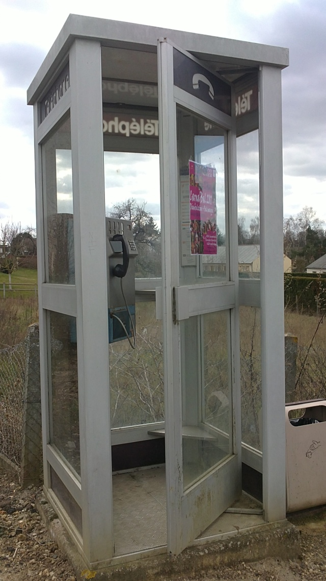 Les cabines t l phoniques eighties le forum de la communaut fan des ann - Cabine telephonique anglaise a vendre ...