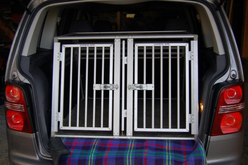 aux propri taires de monospace quelle cage de transport. Black Bedroom Furniture Sets. Home Design Ideas