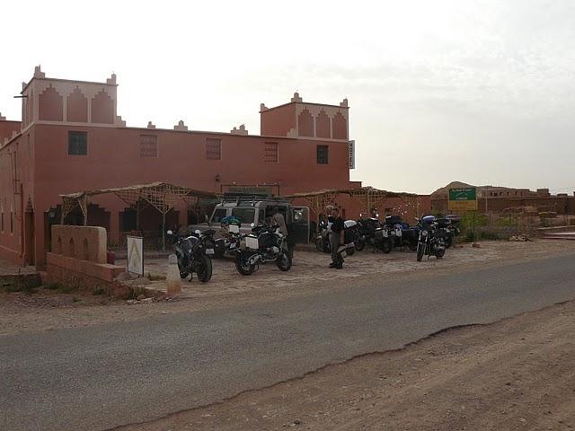 le trop court voyage aux alentours de marrakech. Black Bedroom Furniture Sets. Home Design Ideas