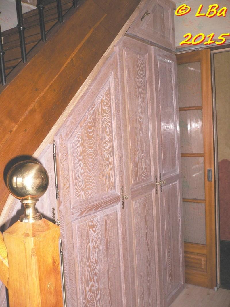 placard sous escalier. Black Bedroom Furniture Sets. Home Design Ideas