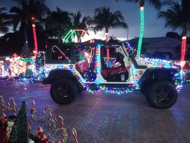 i took these photos at the hyatt extreme christmas httpswwwfacebookcomhyattextremechristmas - Jeep Christmas Decorations