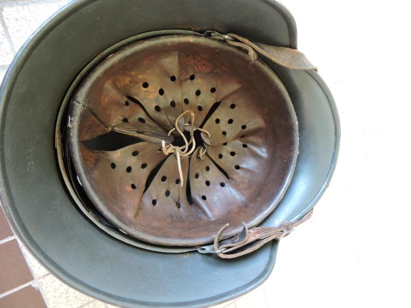 merci de votre aide pour ce casque allemand ss. Black Bedroom Furniture Sets. Home Design Ideas