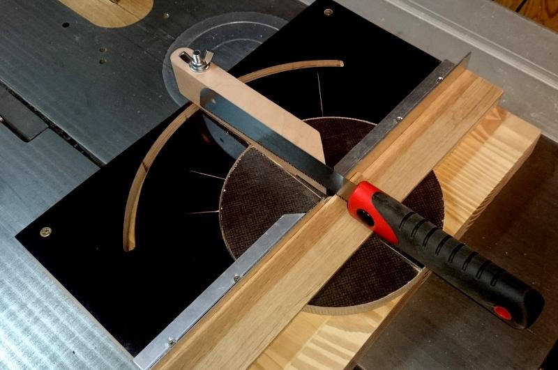 table pour defonceuse guide pour scie japonaise lidl. Black Bedroom Furniture Sets. Home Design Ideas