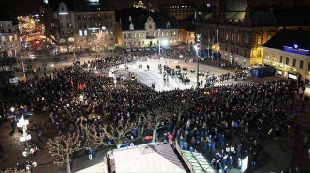 Pegida humilié par les antifa à Malmö.