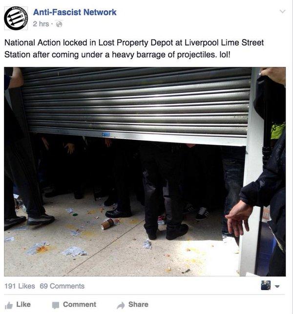 Les hommes blancs fiers se sont vite replié dans la consigne de la gare pour s'y enfermer...
