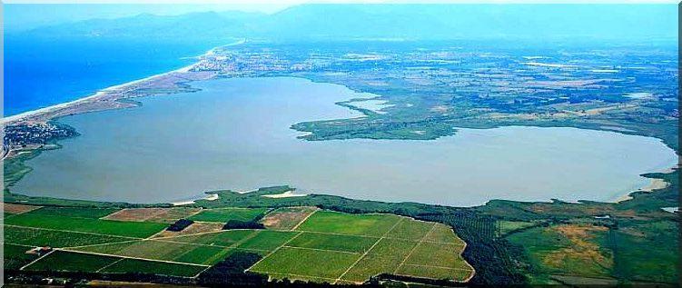 Vista aerea dell'Étang de Canet-Saint-Nazaire 2016 » 42nd La Méditerranéenne (2.1) - 2a tappa » Banyuls › Port Vendres (145 km)