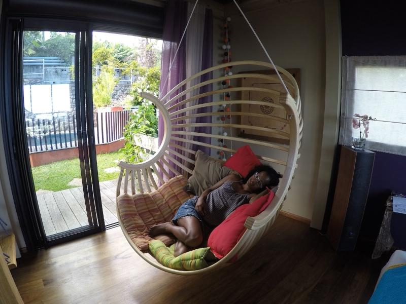 un fauteuil boule suspendu page 8 copain des copeaux. Black Bedroom Furniture Sets. Home Design Ideas