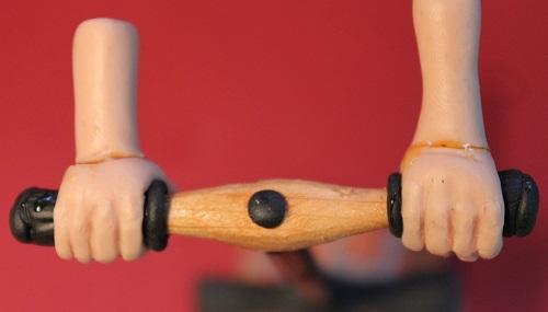 Die Behandlung des Kernes auf dem Daumen die Schiene