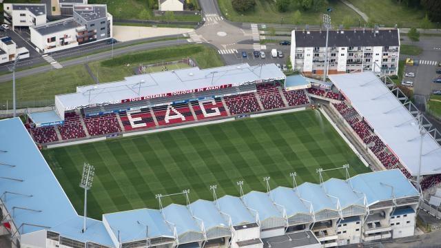 Stade du Roudourou (18 256 places)