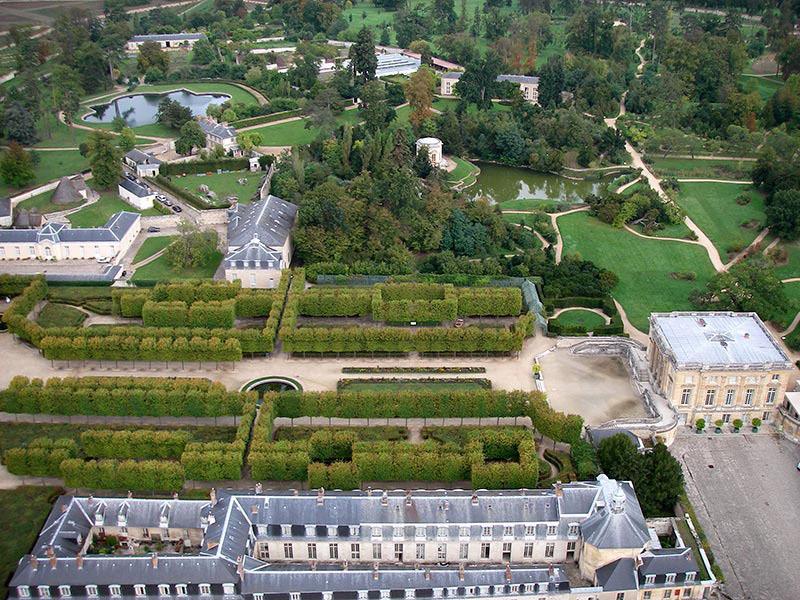 Vue a rienne du domaine de la reine marie antoinette trianon for Jardin anglais du petit trianon